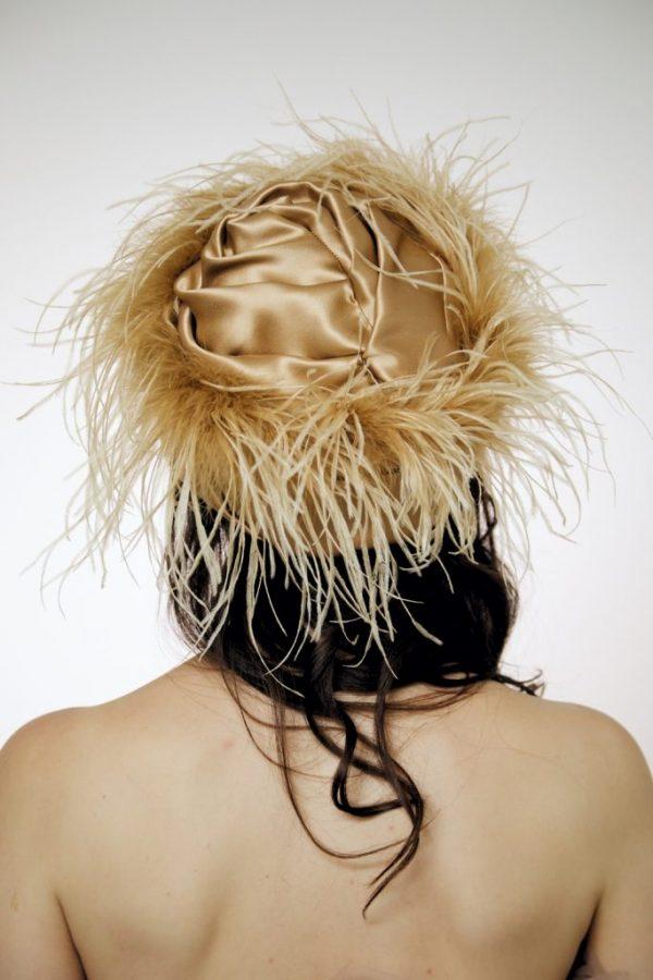 Turban hat hijab Beige silk satin with plumage